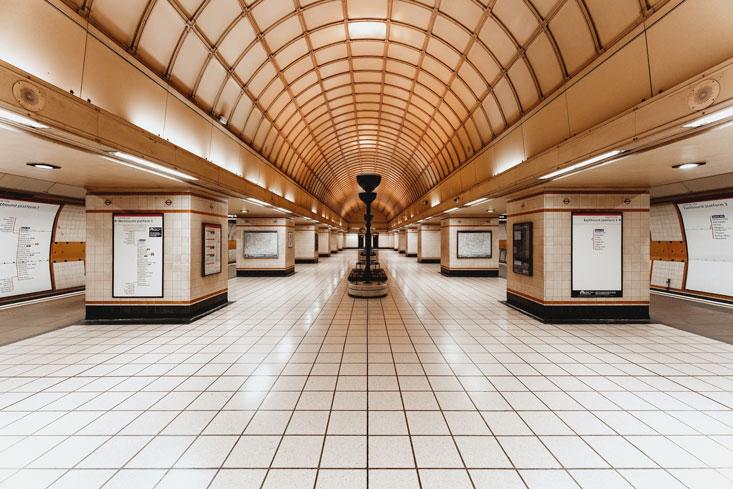 Gants-Hill-Station-200313_ILCE-7RM2_0857_[7952-x-5304-px]_4x5_sRGB