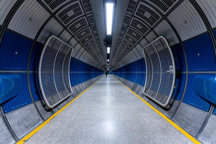 London-Bridge-Station-200313_ILCE-7RM2_0824_[7952-x-5304-px]_4x5_sRGB